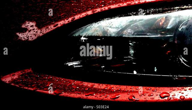 Truck Headlights In Rain : Wet car bonnet stock photos images