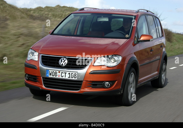 vw volkswagen cross touran 1 stock photos vw volkswagen cross touran 1 stock images alamy. Black Bedroom Furniture Sets. Home Design Ideas
