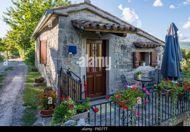 Small stone cottage images galleries for Small stone house