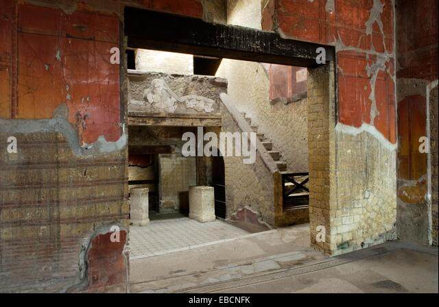 Herculanum stock photos herculanum stock images alamy for Casa del cortile spagnolo