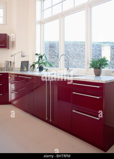 Fitted units stock photos fitted units stock images alamy for Red fitted kitchen