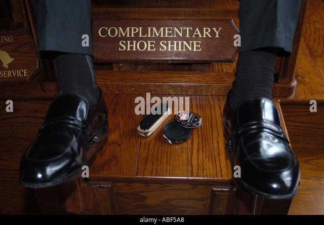 Shoe Polishing Service : Hotel shoe shine service stock photos