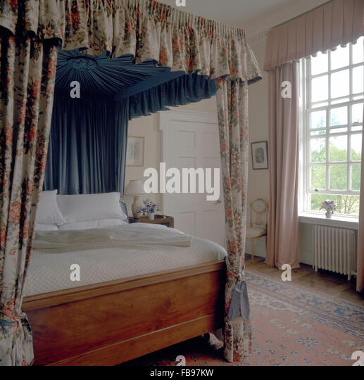 Room With Four Poster Beds Stock Photos & Room With Four
