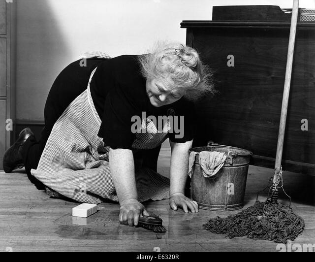 Woman On Hands Knees Scrubbing Stock Photos Amp Woman On