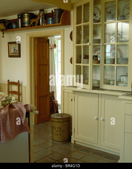 Routine Pleasant And Start Your Day Off Right Traditional Kitchen