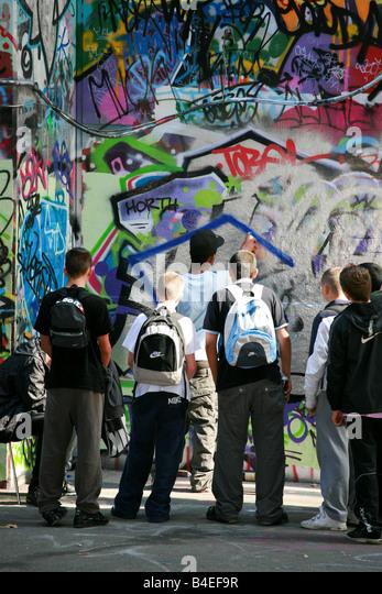 graffit self expression or vandalism