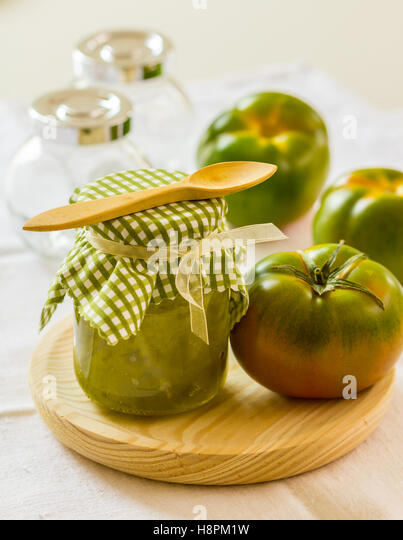 how to make green tomato chutney at home