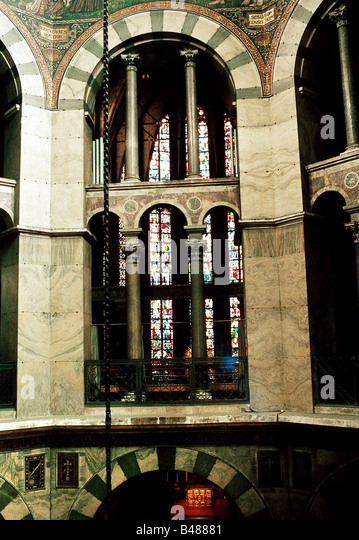 geography travel germany north rhine westphalia aix la chapelle aix la chapelle cathedral