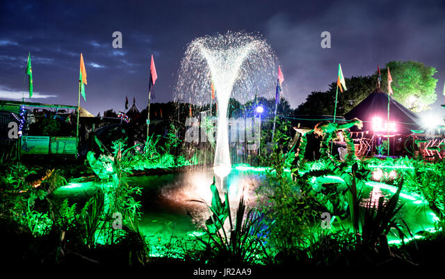 fountain hindu singles Toggle navigation connecting singles  i am a hindu have had a catholic upbringing, irish catholic missionary  because the fountain of love springs from the .