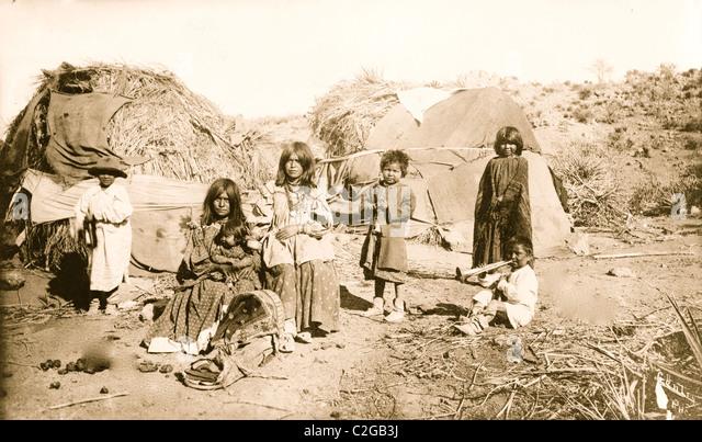 Apache Indians Stock Photos & Apache Indians Stock Images - Alamy