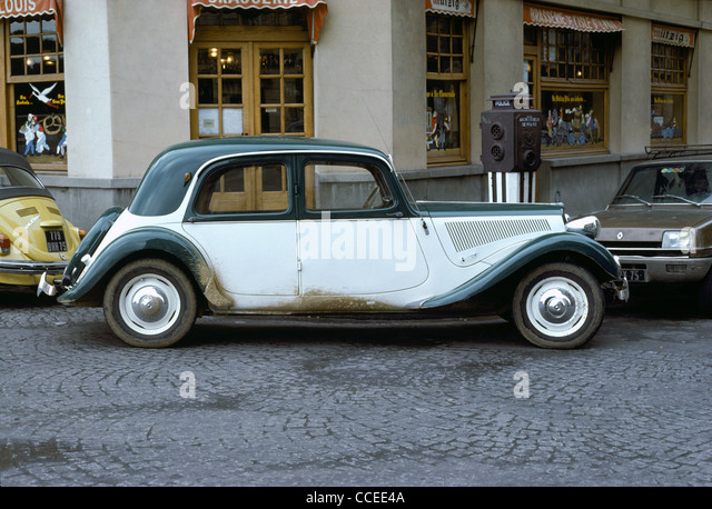 citroen light 15 stock photos citroen light 15 stock images alamy. Black Bedroom Furniture Sets. Home Design Ideas