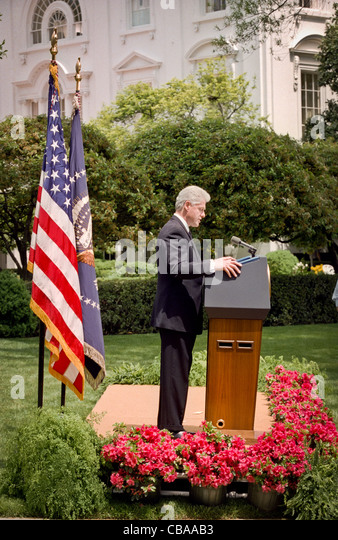 behind the oval office of president clinton On jan 26, 1998--15 years ago saturday--bill clinton famously told the nation, i did not have sexual relations with that woman, miss lewinsky.