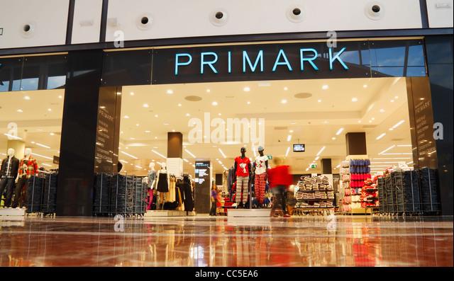 Shopping centre canary islands stock photos shopping - Showroom las palmas ...