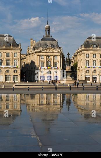 Bourse stock photos bourse stock images alamy for Restaurant miroir paris