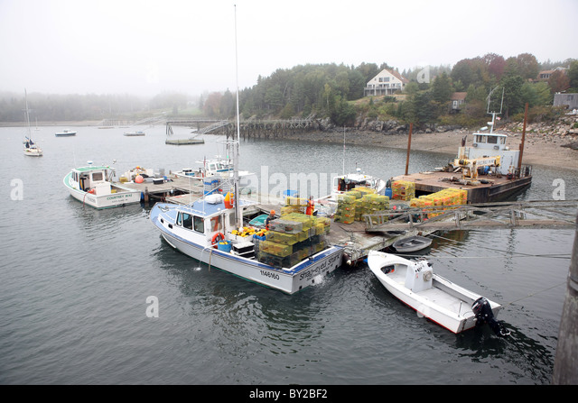 Bar harbor maine lobster stock photos bar harbor maine for Boat fishing near me