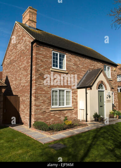 Newbuild stock photos newbuild stock images alamy for Traditional english home
