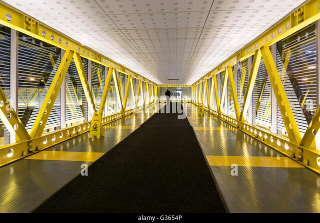 elevated-section-of-chicago-pedway-g3654