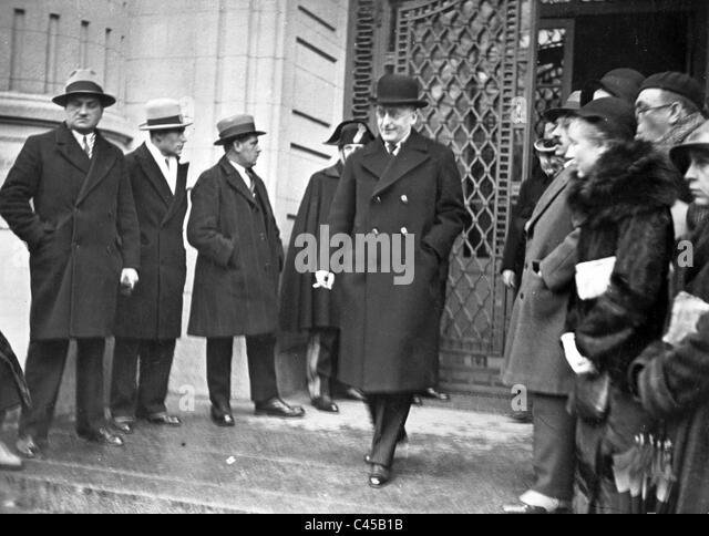 the disarmament saga 1932 1934 essay