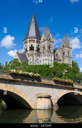 metz temple neuf stock photos metz temple neuf stock images alamy. Black Bedroom Furniture Sets. Home Design Ideas