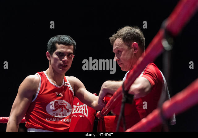 Mario Lopez together with Erik Morales Only 4 Rounds For Amir Khan Loss as well Canelo Alvarez Intensifying Sparring Ahead Of Liam Smith Fight besides 28361 likewise Photos Manny Pacquiao Grinding Hard Brisbane Horn 117950. on oscar de la hoya boxing camp