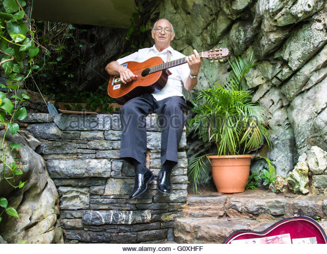 Old Man Busker Stock Photos Amp Old Man Busker Stock Images