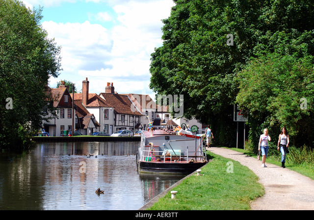 Newbury United Kingdom  city photos : Canalside, Newbury Lock, Newbury, Berkshire, England, United Kingdom ...