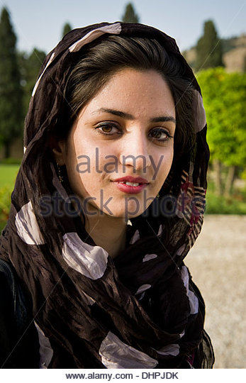 list of synonyms and antonyms of the word shiraz girl