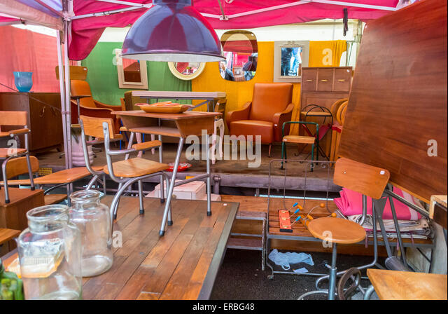 Antique furniture garage stock photos antique furniture for Garage mercedes paris 17 rue cardinet