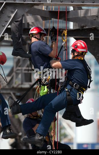 Tower Crane Rescue Procedure : Rope rescue stock photos images alamy