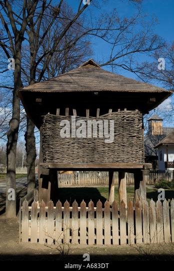 Satului stock photos satului stock images alamy - Romanian peasant houses ...