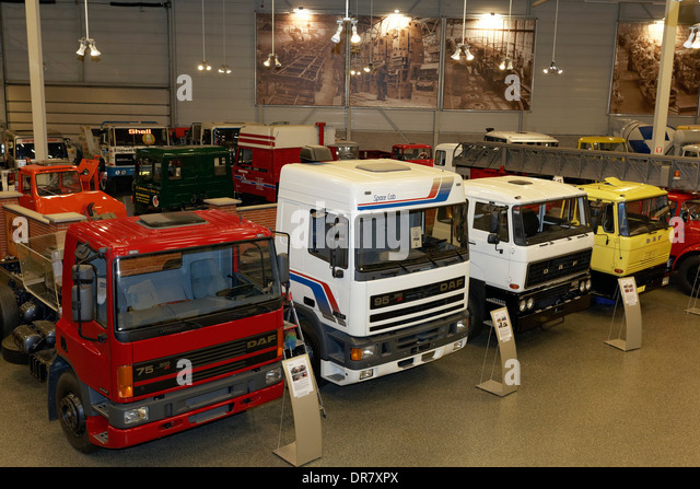 File Israeli tank transporter besides No Spill Gas Can 2 5 Gallon further CROSS RC Anhaenger Mit 3 Achsen T004 together with 58546863879901671 additionally Daf Trucks. on model semi trailers