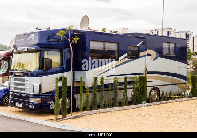 Camping coach stock photos camping coach stock images for Camping el jardin alicante