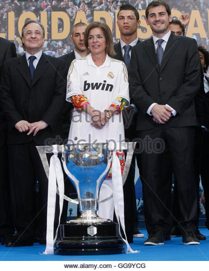 Real Madrid La Liga Trophy Full Presentation
