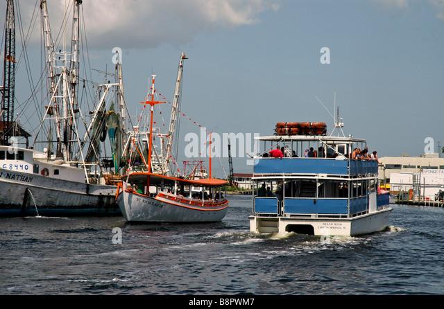 Sponge boat fishing boat stock photos sponge boat for Tarpon springs fishing