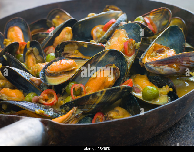 Wok And Cooking Stock Photos & Wok And Cooking Stock ...