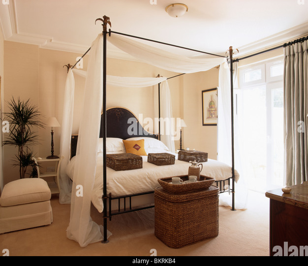 Four Poster Bed With Curtains Stock Photos Four Poster