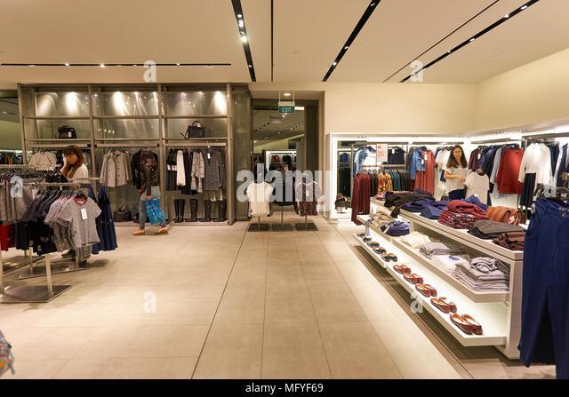 Clothing Retailer Zara Store In Stock Photos & Clothing ...