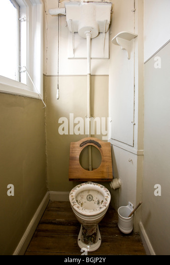 a victorian toilet stock photos a victorian toilet stock images alamy. Black Bedroom Furniture Sets. Home Design Ideas