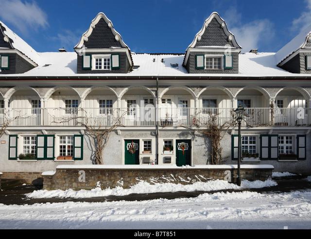 Beautiful Essen Siedlung Im Schnee Kleiner Markt Wohnhuser Stock Image With Moderne  Wohnhuser