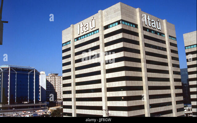 Itau bank stock photos itau bank stock images alamy for Banco itau