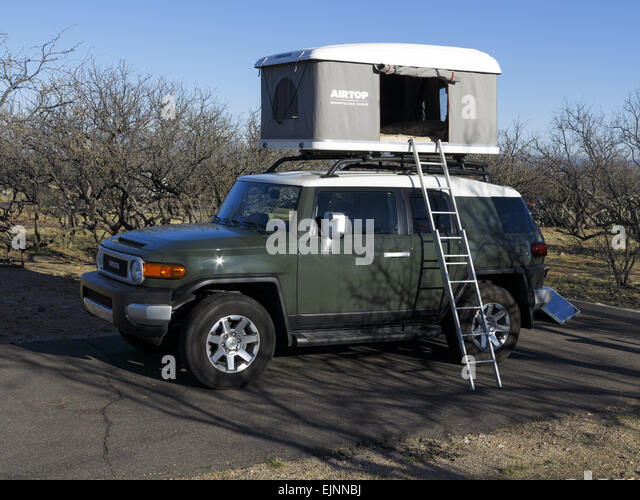 Roof Tent Stock Photos Amp Roof Tent Stock Images Alamy