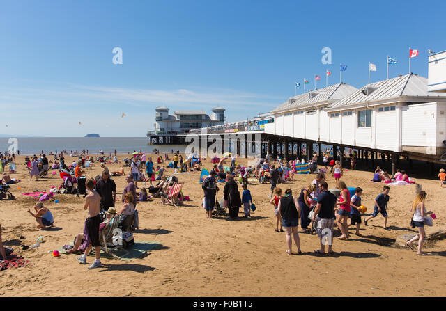 How many people live in weston super mare