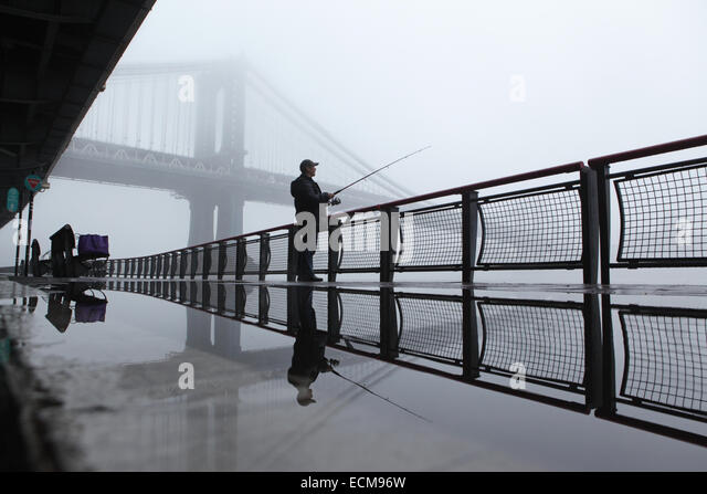 Early morning manhattan bridge in stock photos early for Fishing in new york city