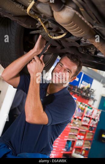 Carports stock photos carports stock images alamy for Garage fix auto nimes