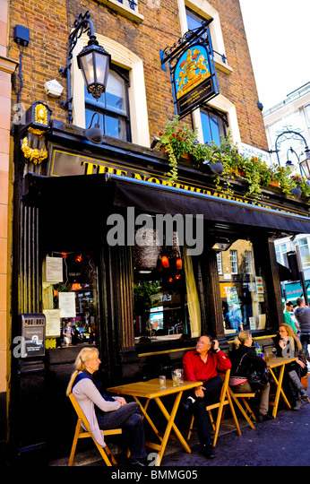 London oxford street couple stock photos london oxford for Boutique hotels just outside london
