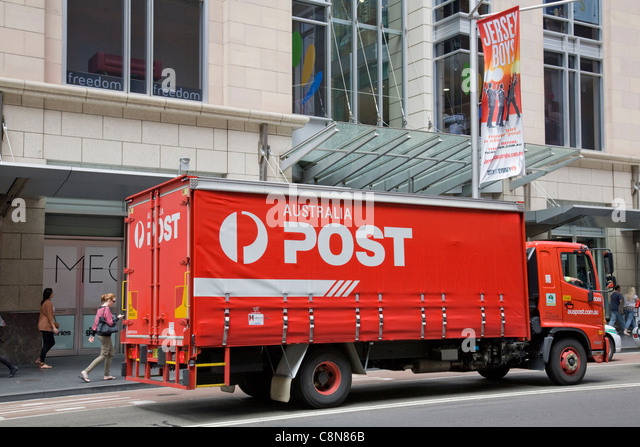 Parcel Delivery Truck Stock Photos Amp Parcel Delivery Truck