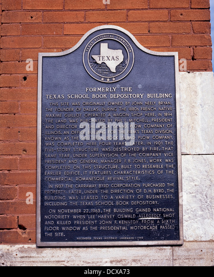 plaque-on-the-wall-of-the-dallas-county-