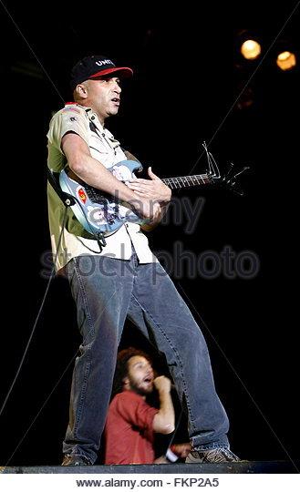 rage against the machine lead guitarist