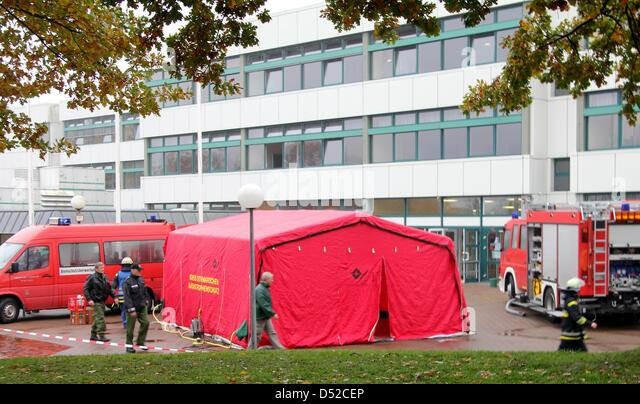 Fire fighters have erected a tent for medical treatment in Heide Germany 04 November & Ambulance Tent Stock Photos u0026 Ambulance Tent Stock Images - Alamy