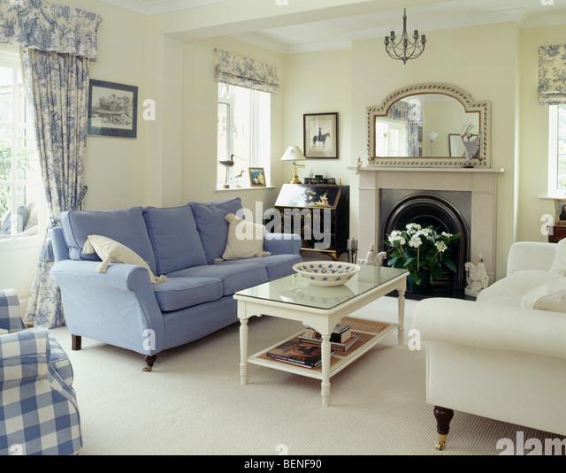 cream sofas on cream carpet stock photos & cream sofas on cream